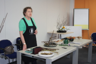Ikebana-International Vienna Ichiyo-Workshop