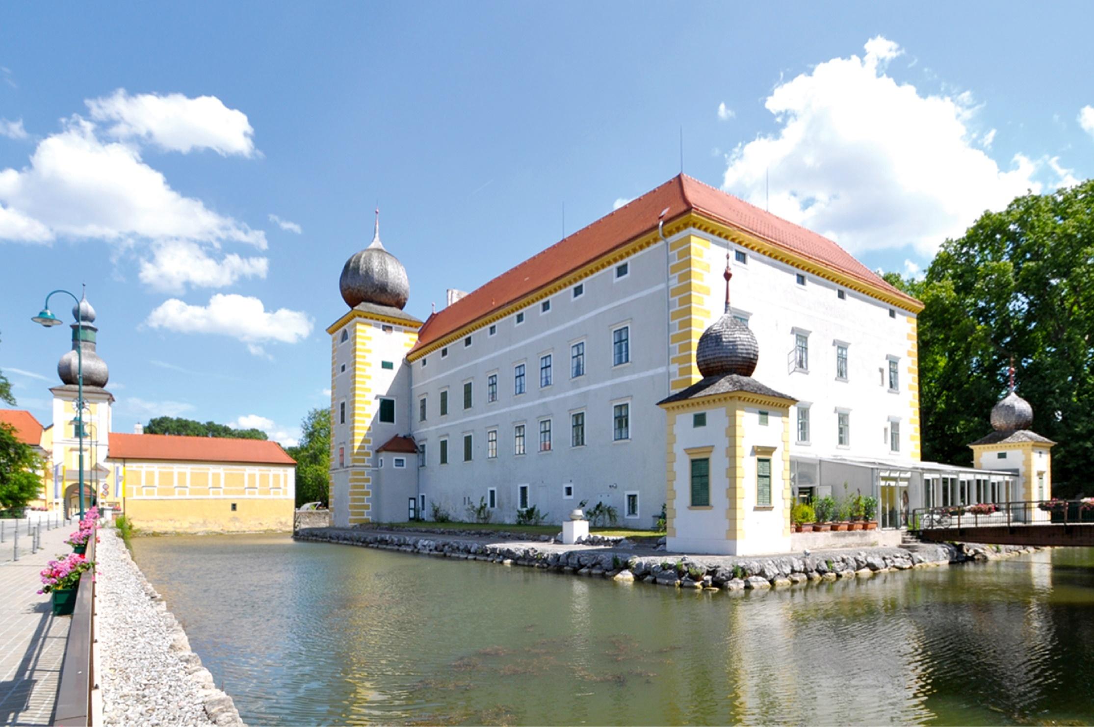 Ikebana International Ausstellung im Wasserschloss Kottingbrunn